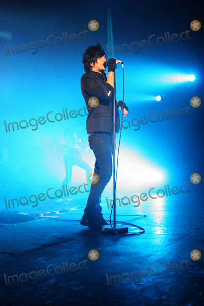 The Lostprophets Photo - London UK Vocalist Ian Watkins of the Lostprophets performs live at the Hammersmith Apollo in London 9th December 2006Taya UddinLandmark Media