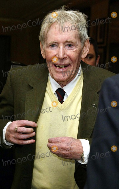 Peter O Toole Photo - London Peter OToole actor  at the Oldie of The Year Awards in association with The Oldie magazine held at Simpsons Restaurant in The Strand2 March 2004ALEXANDRELANDMARK MEDIA