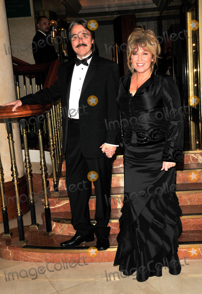 Amanda Redman Photo - London UK Amanda Redman  and guest at the Spirit of Cuba Ball held at the London Hilton hotel on Park Lane 15th November 2008SydLandmark Media