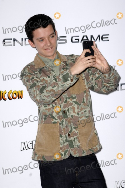 Asa Butterfield Photo - London UK Asa Butterfield    at the Enders Game Q  A Photocall  at Odeon Leicester Square  in London 7th October 2013Ref LMK386-45478-081013Gary MitchellLandmark MediaWWWLMKMEDIACOM