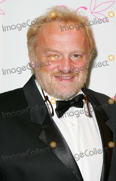 Anthony Worrall-Thompson Photo - London UK Anthony Worrall Thompson at the FIFI Fragrance Awards at the Dorchester Hotel Park Lane in London UK 23rd April 2008 Keith MayhewLandmark Media