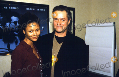 Jonathan Demme Photo - LondonUK LIBRARY Thandie Newton and Jonathan Demme at the London Film Festival in October 1998 for their film Beloved (1998)   at a photocall for  The Leading Man  (1996)  October 1998 ReCaptioned07042017RefLMK135-SLIB070417-001Simon LeibowitzPIP-Landmark Media WWWLMKMEDIACOM