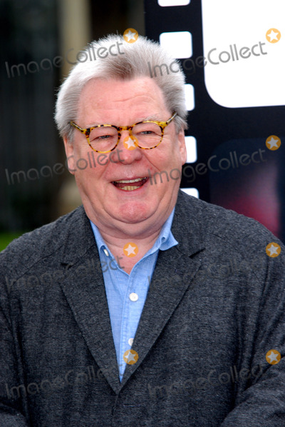Alan Parker Photo - London UK  Director Sir Alan Parker at Film Club photocall at Morpeth School Portman Place 12th June 2008Chris JosephLandmark Media