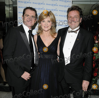 Anthea Turner Photo - LondonUK  Grant Bovey Anthea Turner and Martin Roberts at the Make-A-Wish Valentines Ball Dorchester Hotel Park Lane London 13th February 2010 Can NguyenLandmark Media