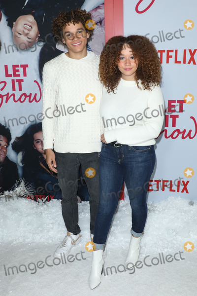 Talia Jackson Photo - LOS ANGELES CALIFORNIA USA - NOVEMBER 04 Armani Jackson and Talia Jackson arrive at the Los Angeles Premiere Of Netflixs Let It Snow held at Pacific Theatres at The Grove on November 4 2019 in Los Angeles California United States (Photo by Image Press Agency)