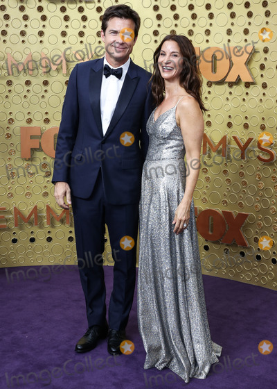 Amanda Anka Photo - LOS ANGELES CALIFORNIA USA - SEPTEMBER 22 Jason Bateman and Amanda Anka arrive at the 71st Annual Primetime Emmy Awards held at Microsoft Theater LA Live on September 22 2019 in Los Angeles California United States (Photo by Xavier CollinImage Press Agency)
