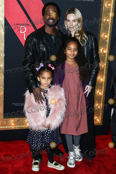 Harold Perrineau Photo - HOLLYWOOD LOS ANGELES CA USA - DECEMBER 06 Actor Harold Perrineau and wife Brittany Perrineau with children arrive at the Los Angeles Premiere Of Netflixs Dumplin held at the TCL Chinese Theatre IMAX 6 on December 6 2018 in Hollywood Los Angeles California United States (Photo by Xavier CollinImage Press Agency)