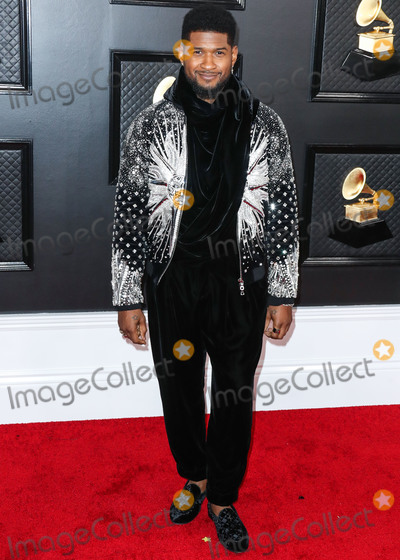 Usher Photo - LOS ANGELES CALIFORNIA USA - JANUARY 26 Usher arrives at the 62nd Annual GRAMMY Awards held at Staples Center on January 26 2020 in Los Angeles California United States (Photo by Xavier CollinImage Press Agency)
