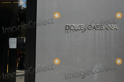 Dolce and Gabbana Photo - BEVERLY HILLS LOS ANGELES CALIFORNIA USA - MARCH 21 DOLCE and GABBANA Beverly Hills Rodeo Drive Store temporarily closed due to the coronavirus two days after the Safer at Home order issued by both Los Angeles Mayor Eric Garcetti at the county level and California Governor Gavin Newsom at the state level on Thursday March 19 2020 which will stay in effect until at least April 19 2020 amid the Coronavirus COVID-19 pandemic March 21 2020 in Beverly Hills Los Angeles California United States (Photo by Xavier CollinImage Press Agency)