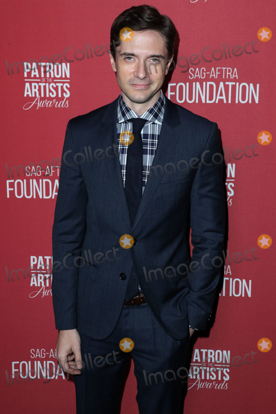 Wallis Annenberg Photo - BEVERLY HILLS LOS ANGELES CA USA - NOVEMBER 08 Topher Grace at the SAG-AFTRA Foundations 3rd Annual Patron Of The Artists Awards held at the Wallis Annenberg Center for the Performing Arts on November 8 2018 in Beverly Hills Los Angeles California United States (Photo by Xavier CollinImage Press Agency)