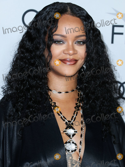 Robyn Photo - (FILE) Rihannas Charity Donates 5 Million for Global Coronavirus COVID-19 Pandemic Relief Rihannas charity organization the Clara Lionel Foundation has donated 5 million to support efforts combating the novel coronavirus HOLLYWOOD LOS ANGELES CALIFORNIA USA - NOVEMBER 14 Singer Rihanna (Robyn Rihanna Fenty) wearing a John Galliano evening coat from William Vintage along with a necklace and bracelets by David Webb arrives at the AFI FEST 2019 - Opening Night Gala - Premiere Of Universal Pictures Queen And Slim held at the TCL Chinese Theatre IMAX on November 14 2019 in Hollywood Los Angeles California United States (Photo by Xavier CollinImage Press Agency)