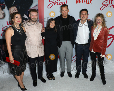 Alexa Faigen Photo - LOS ANGELES CALIFORNIA USA - NOVEMBER 04 Kay Canon Luke Snellin Alexa Faigen Scott Stuber Dylan Clark and Victoria Strouse arrive at the Los Angeles Premiere Of Netflixs Let It Snow held at Pacific Theatres at The Grove on November 4 2019 in Los Angeles California United States (Photo by Image Press Agency)