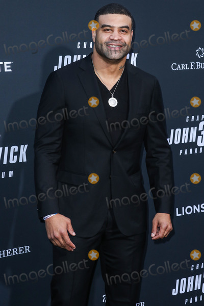 Shawne Merriman Photo - HOLLYWOOD LOS ANGELES CALIFORNIA USA - MAY 15 Football linebacker Shawne Merriman arrives at the Los Angeles Special Screening Of Lionsgates John Wick Chapter 3 - Parabellum held at the TCL Chinese Theatre IMAX on May 15 2019 in Los Angeles California United States (Photo by Xavier CollinImage Press Agency)