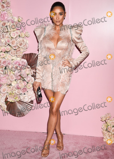 Shay Mitchell Photo - LOS ANGELES CALIFORNIA USA - APRIL 04 Actress Shay Mitchell arrives at the Launch Of Patrick Tas Beauty Collection held at Goya Studios on April 4 2019 in Los Angeles California United States (Photo by Image Press Agency)