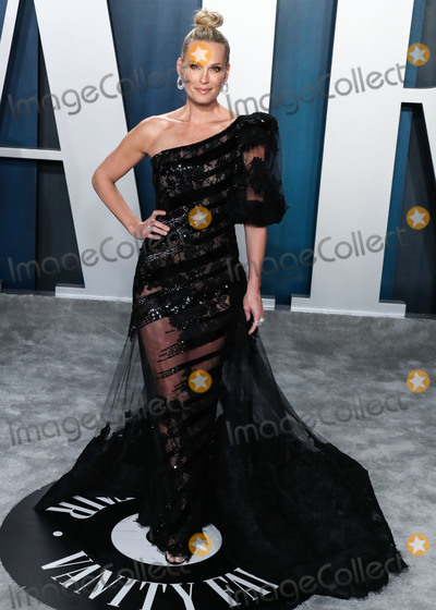 Jordi Moll Photo - BEVERLY HILLS LOS ANGELES CALIFORNIA USA - FEBRUARY 09 Molly Sims arrives at the 2020 Vanity Fair Oscar Party held at the Wallis Annenberg Center for the Performing Arts on February 9 2020 in Beverly Hills Los Angeles California United States (Photo by Xavier CollinImage Press Agency)
