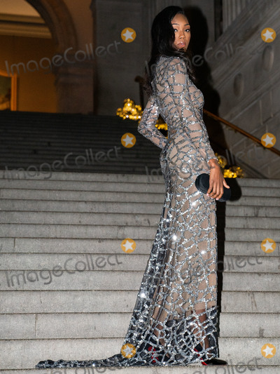 Afiya Bennett Photo - MANHATTAN NEW YORK CITY NEW YORK USA - OCTOBER 22 Actressmodel Afiya Bennett wearing Marc Bouwer styled by Andrea Edelstein arrives at the Noble Panacea Launch Event held at the Metropolitan Museum of Art on October 22 2019 in Manhattan New York City New York United States (Photo by William PerezImage Press Agency)