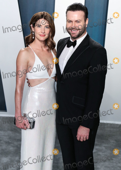 Taran Killam Photo - BEVERLY HILLS LOS ANGELES CALIFORNIA USA - FEBRUARY 09 Cobie Smulders and Taran Killam arrive at the 2020 Vanity Fair Oscar Party held at the Wallis Annenberg Center for the Performing Arts on February 9 2020 in Beverly Hills Los Angeles California United States (Photo by Xavier CollinImage Press Agency)