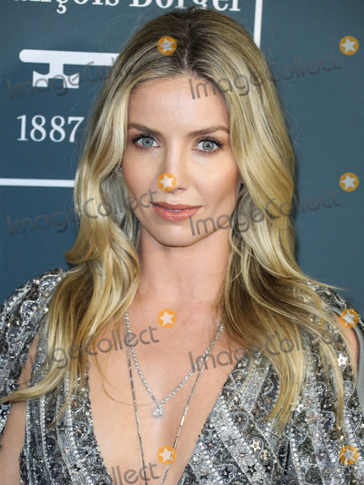 Annabelle Wallis Photo - SANTA MONICA LOS ANGELES CALIFORNIA USA - JANUARY 12 Actress Annabelle Wallis wearing Moschino arrives at the 25th Annual Critics Choice Awards held at the Barker Hangar on January 12 2020 in Santa Monica Los Angeles California United States (Photo by Xavier CollinImage Press Agency)