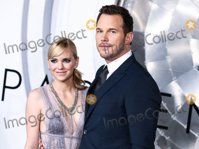 Anna Faris Photo - (FILE) Chris Pratt and Anna Faris Divorce Settlement Details Revealed The details of the divorce settlement between Chris Pratt and Anna Faris are coming to light The two who obtained a private judge to work out the deal reportedly signed off on the deal on Wednesday (November 7 2018) according to TMZ According to the documents they have agreed to live no more than five miles apart for about the next five years This deal was made so that the two parents stay in place until their six-year-old son Jack completes the sixth grade WESTWOOD LOS ANGELES CA USA - DECEMBER 14 Actors Chris Pratt and Anna Faris (wearing a Reem Acra dress Jimmy Choo shoes and Le Vian jewelry) arrive at the Los Angeles Premiere Of Columbia Pictures Passengers held at the Regency Village Theatre on December 14 2016 in Westwood Los Angeles California United States (Photo by Xavier CollinImage Press Agency)