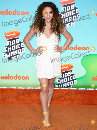 Sofie Dossi Photo - LOS ANGELES CA USA - MARCH 23 Sofie Dossi arrives at Nickelodeons 2019 Kids Choice Awards held at the USC Galen Center on March 23 2019 in Los Angeles California United States (Photo by Xavier CollinImage Press Agency)