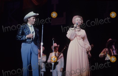Roy Rogers Photo - Roy Rogers Dale Evans G4205d Photo by Bob V Noble-Globe Photos Inc