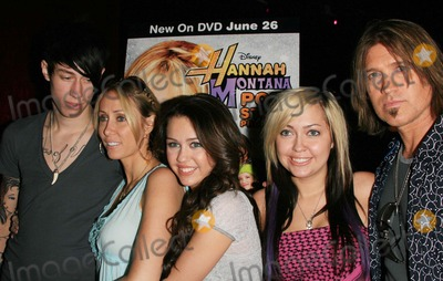 Brandi Cyrus Photo - TRACE CYRUS TRISH CYRUS MILEY CYRUS BRANDI CYRUS AND BILLY RAY CYRUS -MILEY CYRUS PERFORMS A FREE CONCERT TO CELEBRATE THE DVD RELEASE OF HANNAH MONTANA POP STAR PROFILE -HOLLYWOOD CALIFORNIA - 06-26-2007 -PHOTO BY NINA PROMMERGLOBE PHOTOS INC 2007K53650NP