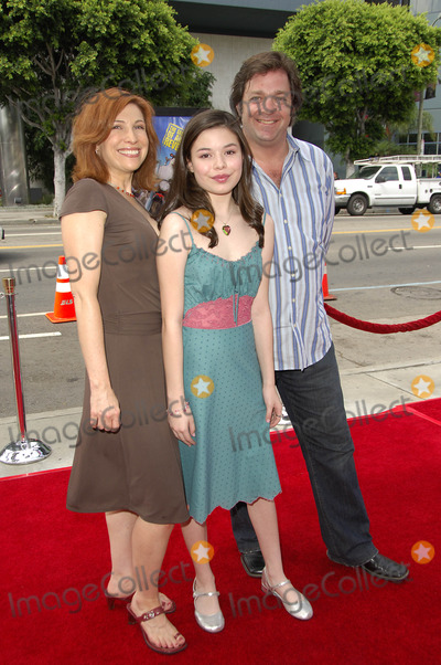 Nancy Sullivan Photo - LOS ANGELES CA JULY 30 2006 (SSI) - -Actresses Nancy Sullivan Miranda Cosgrove and actor Jonathan Goldstein during the premiere of the new movie from Paramount Pictures BARNYARD held at the Cinerama Dome on July 30 2006 in Los Angeles Michael Germana  Super Star ImagesK49153MG