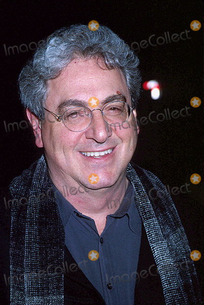 Harold Ramis Photo - 0202- New York City  Analyze That Premiere at the Ziegfeld Theatre to Benefit the Children of Bellevue Inc Ken Babolcsay Ipol Globe Photos Inc I7202kba Harold Ramis