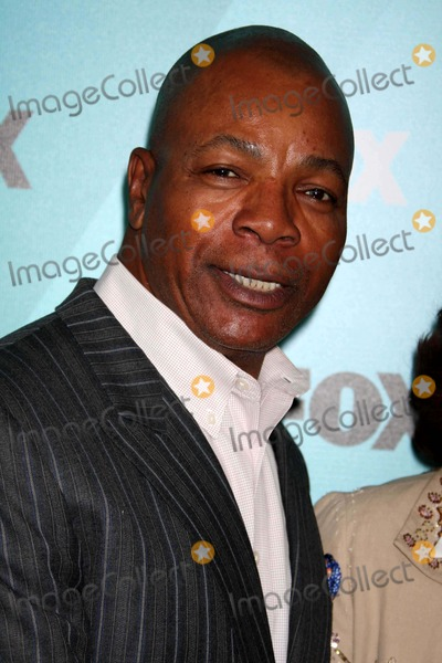 Carl Weathers Photo - Carl Weathersbrothers Fox Announce The2009-2010 Programming Schedule Post Party Red Carpet with Foxs New and Returning Tatent at Wollman Rink in Central Park05-18-09 Photos by John Barrett-Globe Photosinc2009