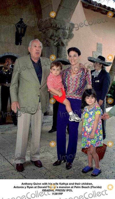 Anthony Quinn Photo - Anthony Quinn with His Wife Kathya and Their Children Antonia Y Ryan at Donald Trumps Mansion at Palm Beach (Florida) Radial Press Ipol I1281rp Credit Photographer NameipolGlobe Photos Inc Dtrumpmn