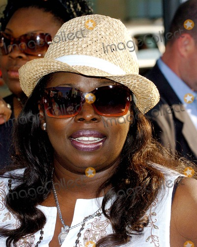 Angie Stone Photo - the Sisterhood of the Traveling Pants Premiere at Graumans Chinese Theatre Hollywood CA May-31-2005 Photo by Fitzroy Barrett Globe Photos Inc 2005 Angie Stone