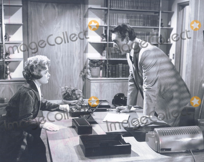 Anthony Quinn Photo - Sandra Dee and Anthony Quinn SmpGlobe Photos Inc