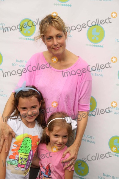 Ali Wentworth Photo - ALI WENTWORTH and her daughtersELLIOTTHARPER STEPANOPOULOSat JessicaJerry Seinfeld host the 10th Anniversay Baby Buggy Bedtime Bash a non-profit orgdedicated to families in need equipmentclothingproducts educational tools at Wollman rink in central park 6-1-11Photo by John BarrettGlobe Photos INC2011