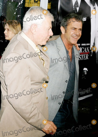 Ed Limato Photo - American Gangster Los Angeles Industry Screening Arclight Theatres Hollywood CA 102907 Mel Gibson and Ed Limato Photo Clinton H Wallace-photomundo-Globe Photos Inc