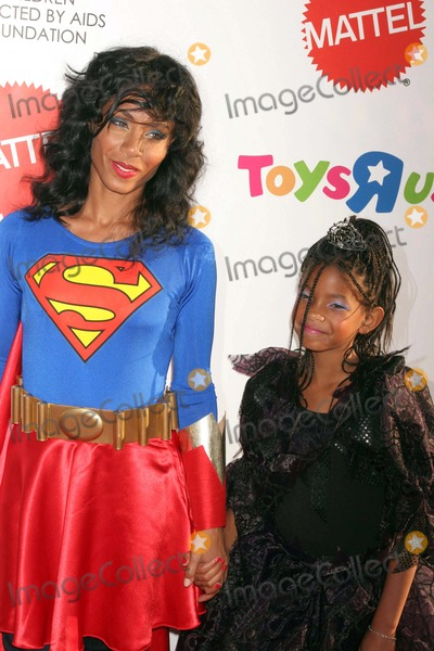 ... Willow Smith Photo - the Children Affected by Aids Foundations 15th Annual Dream Halloween Barker Hangarsanta  sc 1 st  ImageCollect & Willow Smith Pictures and Photos