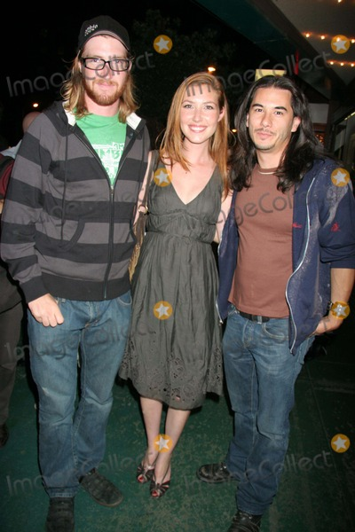 Sean Flynn Photo - 10894CHW LOS ANGELES FILM FESTIVAL 2006 PRESENTS THE BEACH PARTY AT THE THRESHOLD OF HELL PREMIERE SCREENING MAJESTIC CREST THEATRE WESTWOOD CA 07-01-2006PHOTO CLINTON H WALLACE-PHOTOMUNDO-GLOBE PHOTOS INC SEAN FLYNN AND SISTER  AND KATIE FLYNN WITH JAMES DUVALL