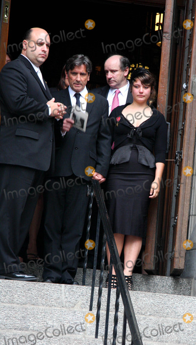 Dominick Dunne Photo - Funeral For Dominick Dunne at the Church of Saint Vincent Ferrer Newyork City 09-10-2009 Photo by William Regan- Globe Photos Inc 2009 Griffin Dunne