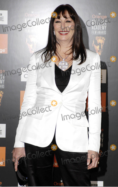 Angelica Huston Photo - 02-12-2005 001170 Bafta Film Awards 2005 Pressroom -Odeon Leicester Square London Photo by Henry Davenport-globelink-Globe Photos