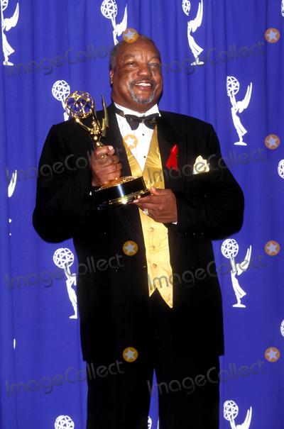 Paul Winfield Photo - 1995 Emmy Awards Paul Winfield Photo by Fitzroy BarrettGlobe Photosinc Paulwinfieldretro