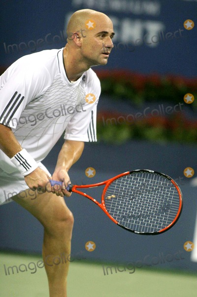 Andrei Pavel Photo - Us Open-andre Agassi Vs Andrei Pavel Match Date 08-28-06 Photo by John Barrett-Globe Photos Inc Andre Agassi