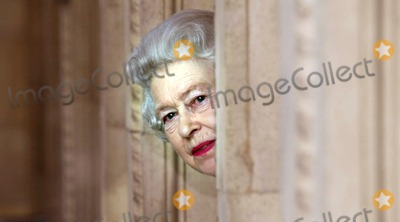 Albert Hall Photo - No Uk Rights Until 30042004 054522 03302004 the Queen Peers Round a Corner of He Royal Albert Hall London During a Tour of the Concert Hall to Mark the Completion of the Eight Year Building Development Programme the Hall Has Undergone