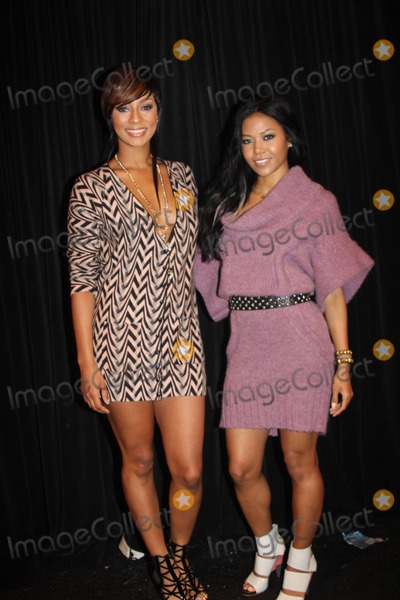 Amerie Photo - Mercedes-benz Fashion Week - Spring 2010 Tracy Reese Fashion Show - Celebrities Bryant Park New York City 09-14-2009 Photo by Barry Talesnick-ipol-Globe Photos Inc 2009 I14585bt Keri Hilson and Amerie
