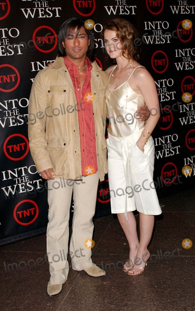 Jay Tavare Photo - Into the West the Tnt West Coast Premiere at the Directors Guild Theater in West Hollywoodca 06-08-2005 Photo by Fitzroy Barrett Globe Photos Inc 2005 Jay Tavare and Keri Russell