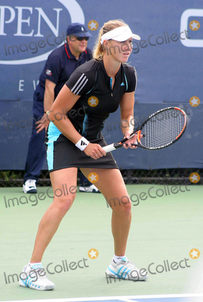 Alicia Molik Photo - Us Open 2006 - Day 1 Usta-nyc- 082806 Alicia Molik Photo by John B Zissel-ipol-Globe Photos Inc 2006