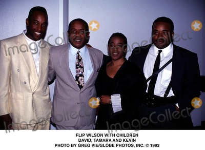 Flip Wilson Photo - Flip Wilson with Children David Tamara and Kevin Photo by Greg VieGlobe Photos Inc