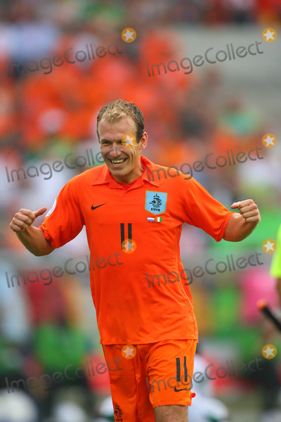 Arjen Robben Photo - Arjen Robben Cellebrate Win Holland V Ivory Coast World Cup Soccer 06-16-2006 Photo by Allstar-Globe Photos