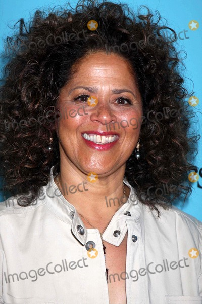 Anna  DEAVERE Smith Photo - Anna Deavere Smith at Worldpremiere of Showtimes New Series Nurse Jackie at Dga 110 W57st 06-2-09 Photos by John Barrett-Globe Photosinc2009