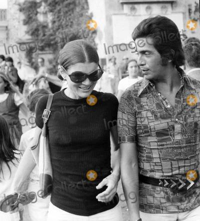 Jacqueline Kennedy Onassis Photo - Jacqueline Kennedy Onassis and Valentino Photo by Elio Sorci-Globe Photos