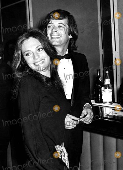 Michael Sarrazin Photo - Jacqueline Bisset and Michael Sarrazin at Airport Premiere 3191970 1970s Phil RoachipolGlobe Photos Inc