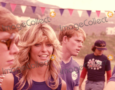 Farrah Fawcett-Majors Photo - Farrah Fawcett Majors and Ron Howard Battle of the Network Stars Photo by Globe Photos Inc